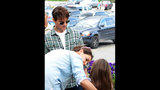 Tom Cruise, Katie, Suri Spotted In Pittsburgh - (19/25)