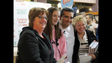 Cake Boss Buddy Valastro visits with fans at… - (12/25)