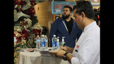 Cake Boss Buddy Valastro visits with fans at… - (2/25)