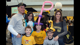 Pittsburgh Pirates fans meet players at PirateFest - (5/25)