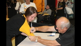 Pittsburgh Pirates fans meet players at PirateFest - (9/25)