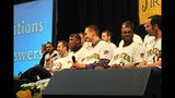 Pittsburgh Pirates fans meet players at PirateFest - (21/25)