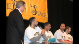 Pittsburgh Pirates fans meet players at PirateFest - (3/25)