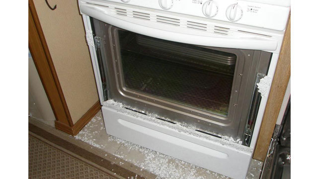 Target 11 Investigates Exploding Oven Glass Wpxi