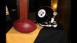 Steelers' Rooney, Roethlisberger help Brett… - (11/25)