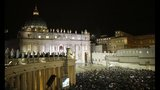 Crowds celebrate as Pope Francis is introduced - (25/25)