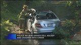 Car crashes into creek_3565454