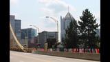 Andy Warhol Bridge gets 'yarn bombed' - (14/25)