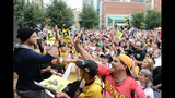 Hundreds of Bucco fans gather for rally in… - (2/7)