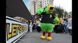 Hundreds of Bucco fans gather for rally in… - (7/7)