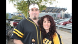 Pirates fans tailgate before first playoff… - (9/25)