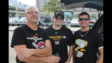 Pirates fans tailgate before first playoff… - (5/25)