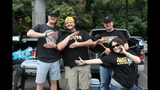 Pirates fans tailgate before first playoff… - (20/25)