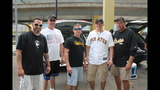 Pirates fans tailgate before first playoff… - (6/25)