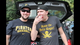 Pirates fans tailgate before first playoff… - (4/25)