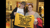 Pittsburgh Steelers participate in toy drive… - (1/20)