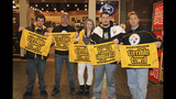 Pittsburgh Steelers participate in toy drive… - (9/20)