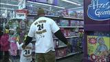 Children shop with Steelers' Ike Taylor at Walmart - (1/25)