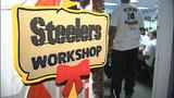Children shop with Steelers' Ike Taylor at Walmart - (15/25)
