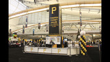 Thousands attend PirateFest in Pittsburgh - (16/25)