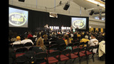 Thousands attend PirateFest in Pittsburgh - (4/25)
