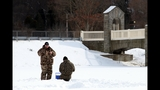 Photos: Ice fishing in North Park - (3/8)