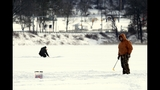 Photos: Ice fishing in North Park - (5/8)