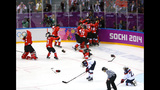 PHOTOS: USA-Canada gold medal game - (17/25)