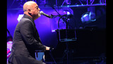 Billy Joel performs at Consol Energy Center - (19/24)