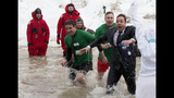 Photos: Jimmy Fallon takes the Polar Plunge - (5/10)