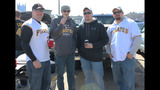 Thousands of fans celebrate Pirates Opening Day - (18/25)