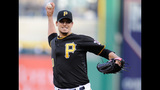 GAME PHOTOS: Pirates 2, Giants 1 - (13/18)