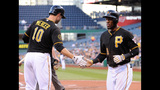 GAME PHOTOS: Pirates 2, Giants 1 - (14/18)