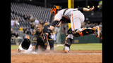GAME PHOTOS: Pirates 2, Giants 1 - (18/18)