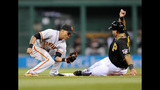 GAME PHOTOS: Pirates 2, Giants 1 - (16/18)