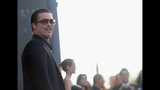 Photos: Brad Pitt attacked, Angelina Jolie… - (23/25)
