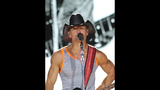 Tim McGraw, Kip Moore, Cassadee Pope perform… - (13/25)