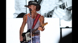 Tim McGraw, Kip Moore, Cassadee Pope perform… - (16/25)