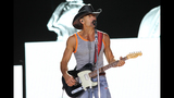 Tim McGraw, Kip Moore, Cassadee Pope perform… - (23/25)