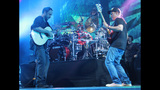 Dave Matthews Band Performs at First Niagara Pavilion - (15/25)