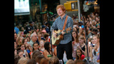Ed Sheeran Performs On The Today Show - (11/11)