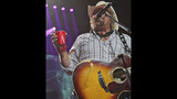 Toby Keith, Colt Ford perform in Pittsburgh - (10/25)