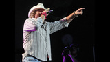 Toby Keith, Colt Ford perform in Pittsburgh - (1/25)