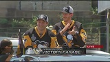RAW: Bryan Rust, Matt Murray make way through Penguins Parade