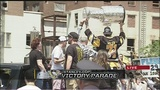RAW: Evgeni Malkin holds Stanley Cup with father during parade