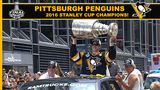 RAW: Sidney Crosby hoists Stanley Cup during parade