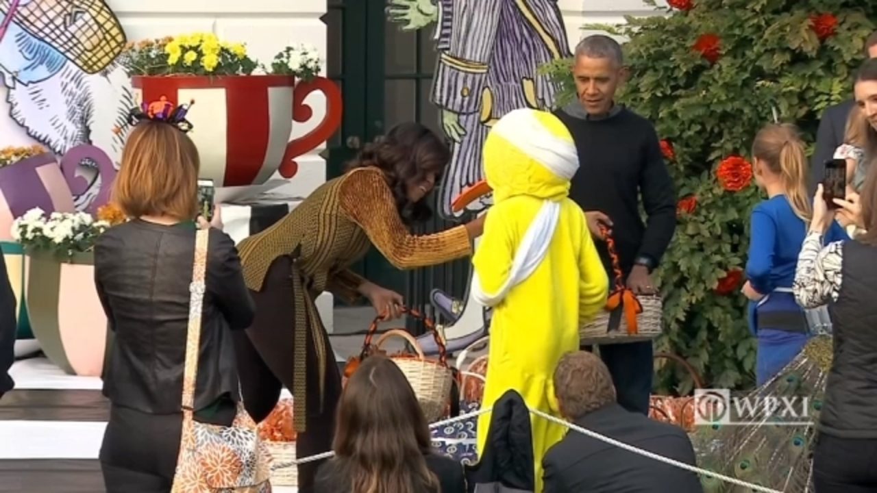 "lame duck"" trick-or-treater crashes president obama's last white"