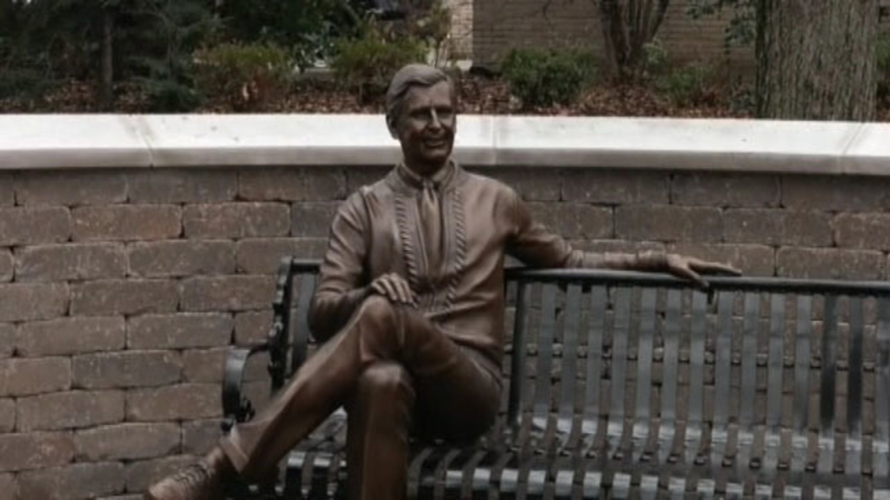 Statue of Fred Rogers dedicated in hometown of Latrobe | WPXI