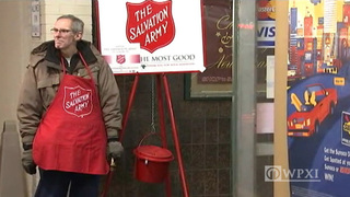 Good Samaritans chase after man who stole Salvation Army kettle,…