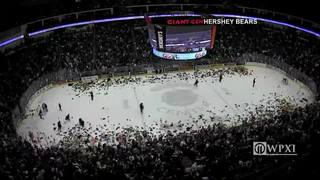 Hershey hockey fans break teddy bear record